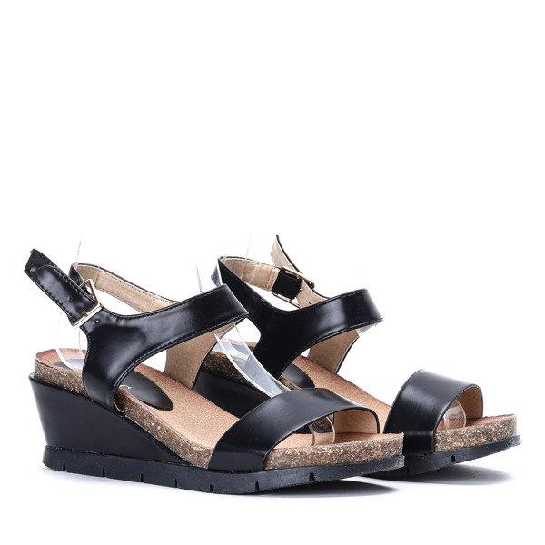 558c5448 Czarne sandałki na niskim koturnie- Obuwie Kliknij, aby powiększyć ...