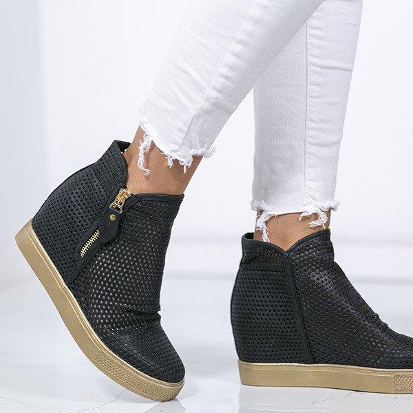 7f1a3637 Czarne sneakersy na krytej koturnie z ażurowym wykończeniem Kalenia - Obuwie  Kliknij, aby powiększyć ...