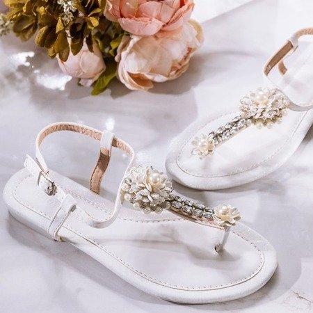 Białe sandały damskie na płaskim obcasie Slavitta - Obuwie