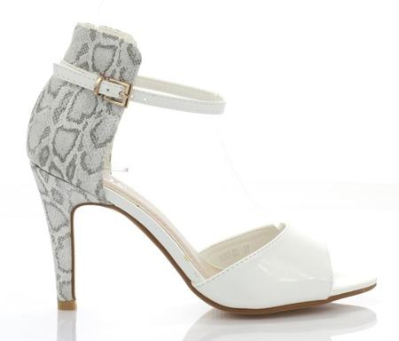 Białe sandały z imitacją zwierzęcej skóry - Obuwie