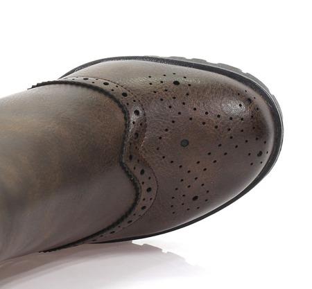 Brązowe botki na słupku z ozdobnym noskiem     - Obuwie