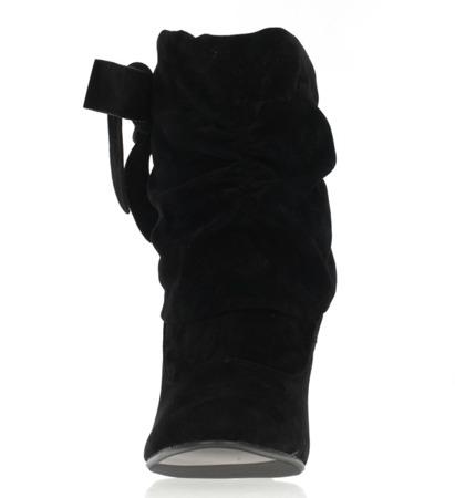 Czarne botki na grubszej szpilce - Obuwie