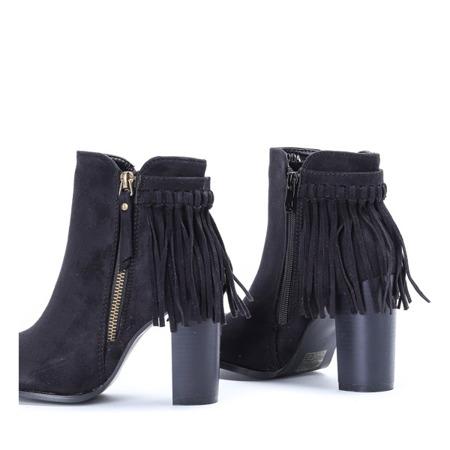 Czarne botki na słupku z frędzelkami Fedina - Obuwie