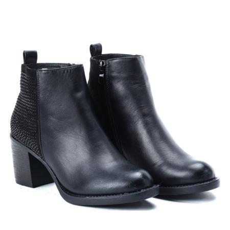 Czarne botki na słupku z ozdobnymi dżetami - Obuwie