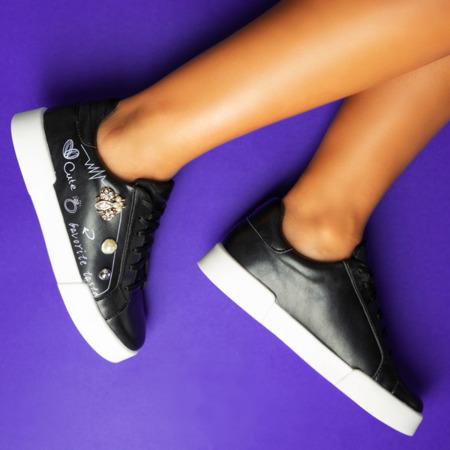 Czarne buty sportowe z ozdobami Mosca - Obuwie