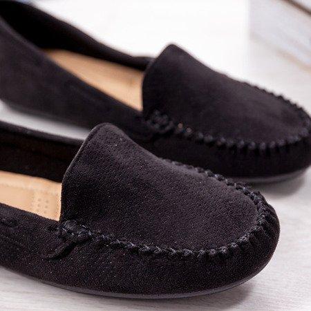 Czarne mokasyny z ażurowym zdobieniem Eleonora - Obuwie