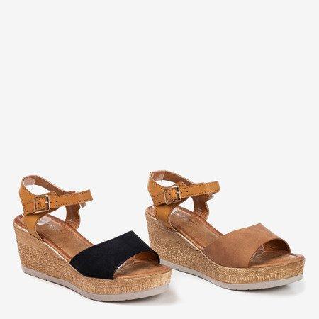 Czarne sandały na koturnie Eriosa - Obuwie