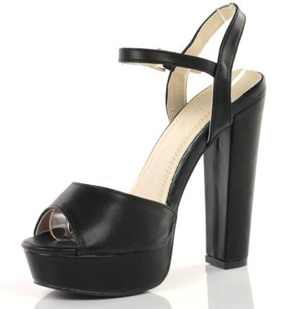 Czarne sandały na wysokiej platformie - Obuwie