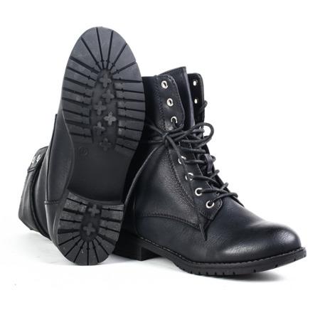 Czarne, wiązane traperki - Obuwie