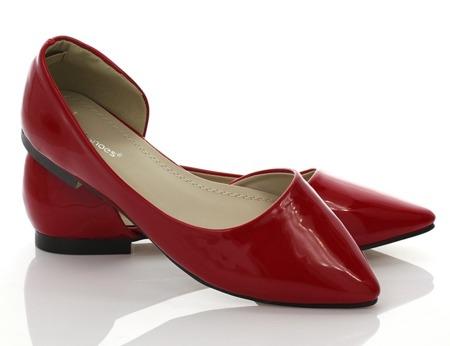 Czerwone balerinki z wycięciem - Obuwie