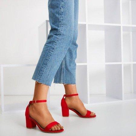 Czerwone sandały damskie na niskim słupku Puddin - Obuwie
