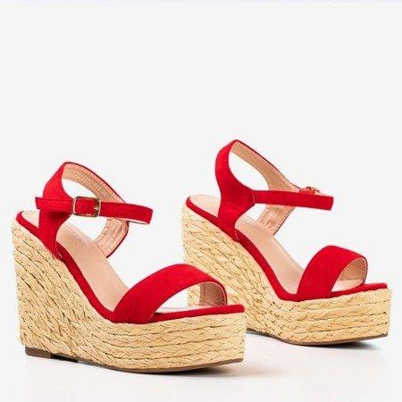 Czerwone sandały na koturnie Idessa - Obuwie
