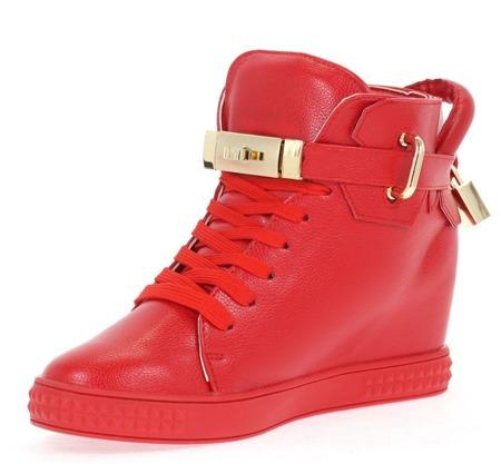 Czerwone sneakersy na krytym koturnie Asuena - Obuwie