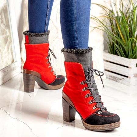 Czerwono-czarne botki na słupku z kożuszkiem - Obuwie