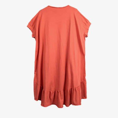 Koralowa sukienka z czarnym napisem PLUS SIZE - Odzież