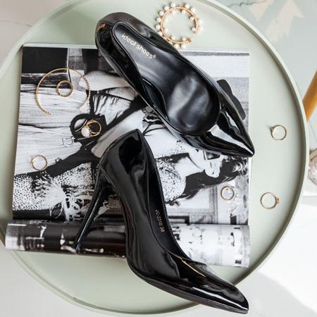 Lakierowane czółenka w kolorze czarnym Rokitta - Obuwie
