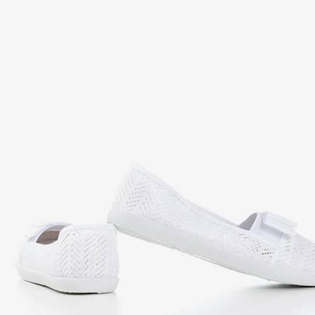OUTLET Białe ażurowe tenisówki z kokardką Nadin - Obuwie