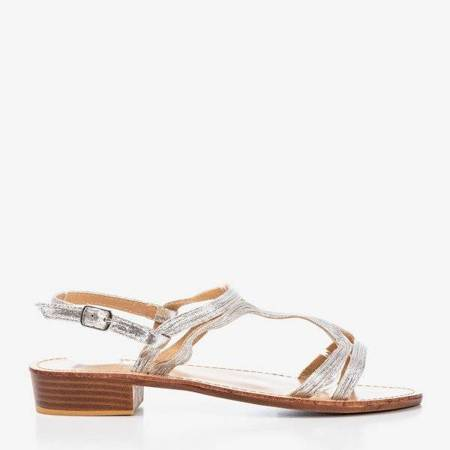 OUTLET Srebrne damskie sandały na niskim obcasie Treunia - Obuwie