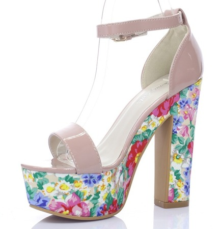 Różowe sandały na platformie w kwiaty Marie- Obuwie