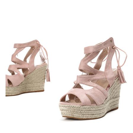 Różowe sandały na wysokiej koturnie Milton - Obuwie