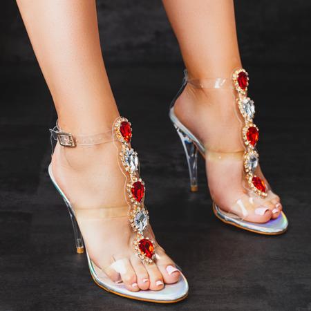 Sandały na szpilce z czerwonymi ozdobami Gleam - Obuwie