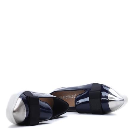 Slip on z lakierowanym noskiem w kolorze granatowym Barbara- Obuwie
