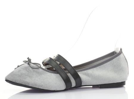 Szare baleriny wiązane tasiemką Serelinna - Obuwie