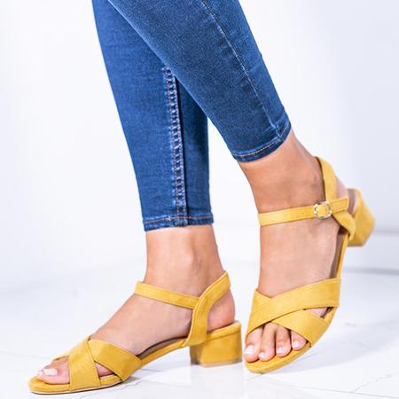 Żółte sandały na niskim słupku Sana - Obuwie